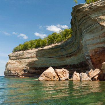 Pictured Rocks cliff tours